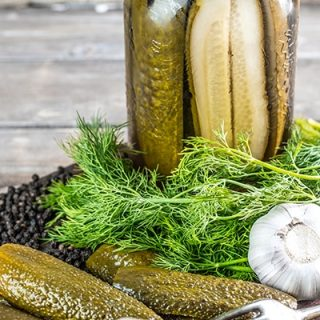 How to Make Perfectly Crunchy Homemade Dill Pickles
