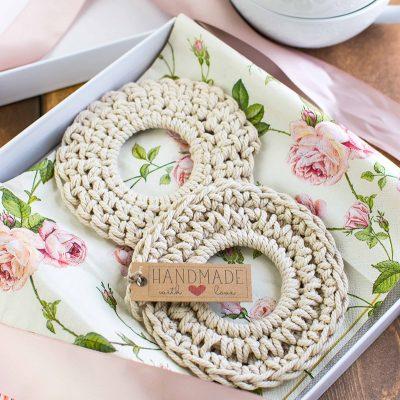 Crochet Coasters – Cheap, Easy and Super Cute