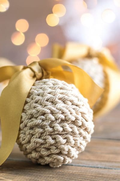 Easy Christmas Decorations to Make for your Rustic Holiday Tree.