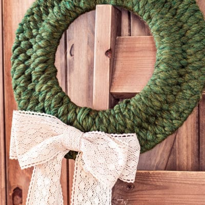 How to Weave a Lovely Winter Wreath – It's SO easy!