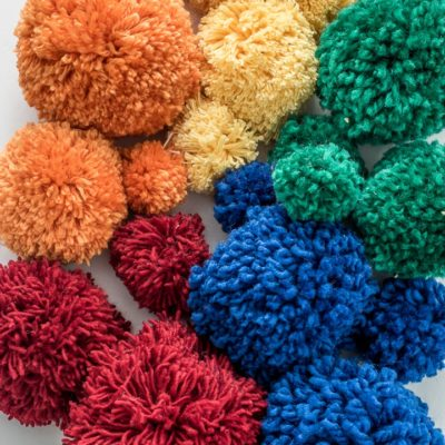 Yarn Pom Poms – How to Pick the Right Size Yarn for Your Pom Pom Projects.