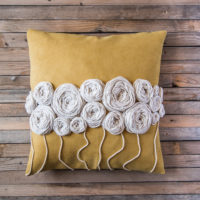 How to Make Wool Embroidery Flowers to Perk up Plain Cushions