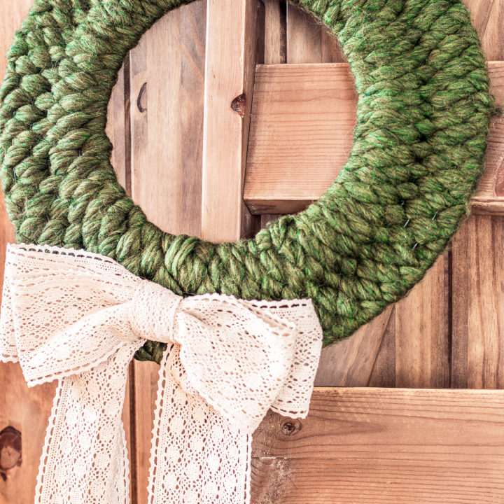 How to Weave a Lovely Winter Wreath