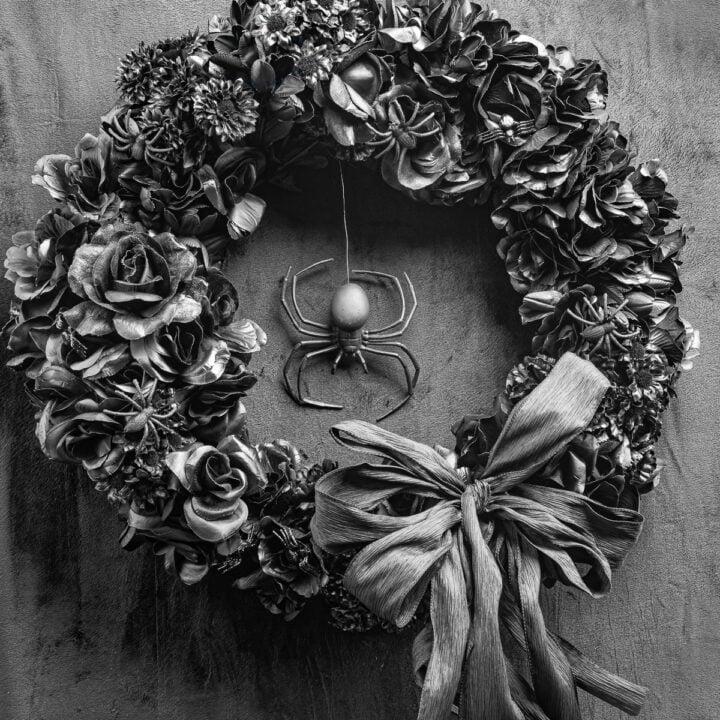 Easy DIY Black Halloween Wreath
