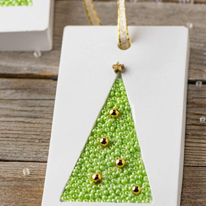 Pretty Handmade Holiday Gift Tags - A Lovely Addition To Any Gift