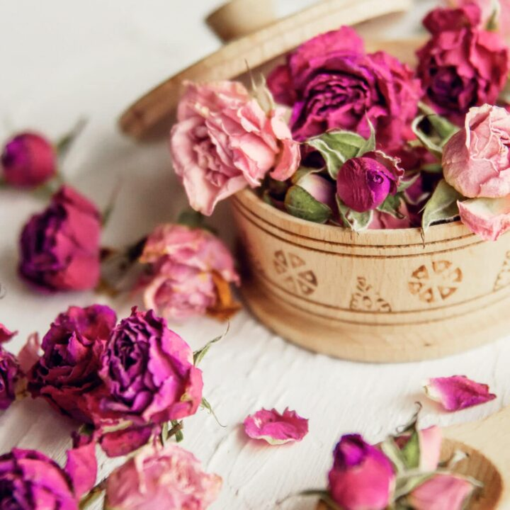How To Make Potpourri Using Dry Flowers And Herbs